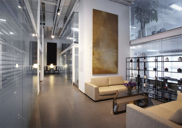 Clean germ safe lounge area of a building | Picture Perfect Cleaning